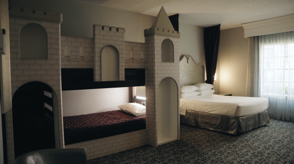 Image of bunk beds at queen bed at Anaheim Majestic Garden Hotel