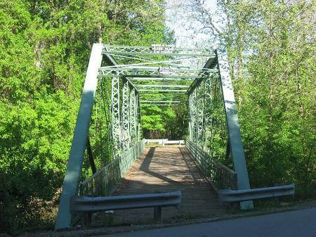 Hendricks County Bridge 178 (Twin Bridges) in Danville. (Credit: Nyttend / Wikimedia Commons)