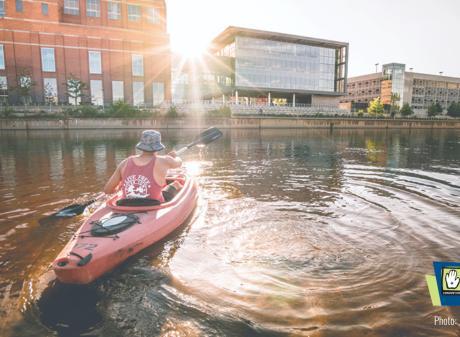 Zoom background - Kayak