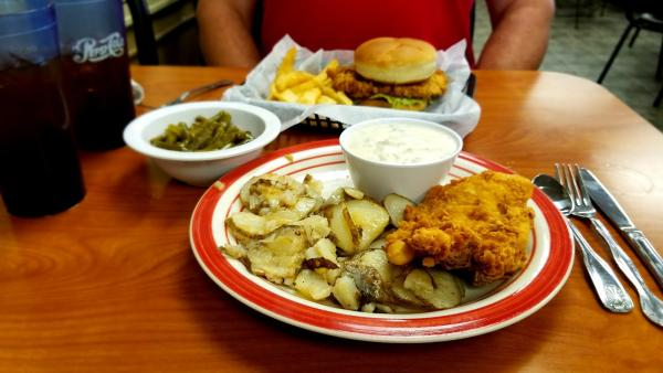 In need of a comfort food? Look no further - Come N Git It offers up some of your favorites for breakfast, lunch or dinner.