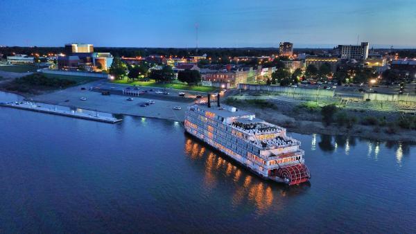 American Queen Steamboat Docking