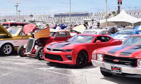 Daytona Turkey Run line up of cars at Daytona International Speedway