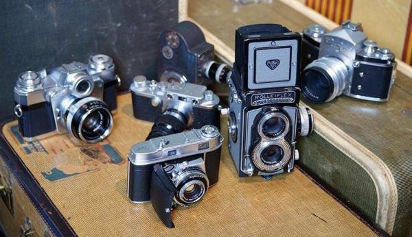 Photo of 6 film cameras