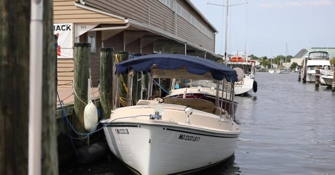 Annapolis Electric Boat Rentals duffy boat.