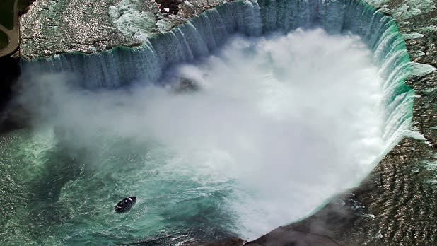 Aerial view of Niagara Falls with spray