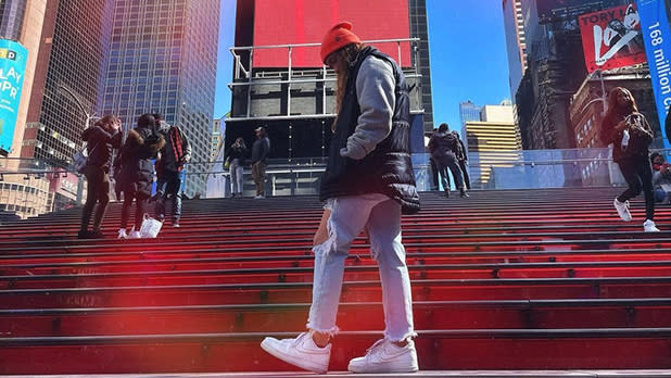 Times Square Red Stairs_@sofiaserranomusic-instagram_618x348
