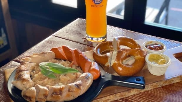 A pretzel, beer, and dip at Bronx Alehouse