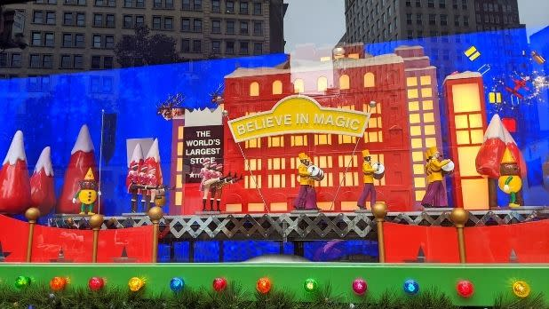 Macy's Christmas window display