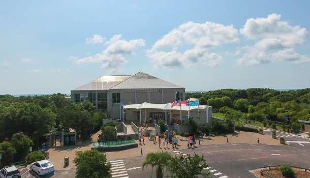 Aquarium Exterior