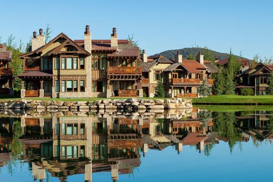 Hotel Park City Cottages Across Pond