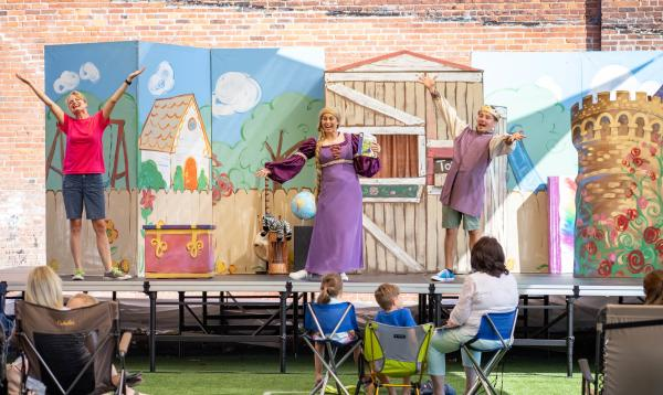 Market House Theatre PlayTime