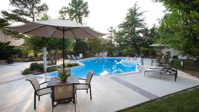 Sheraton Chapel Hill Pool