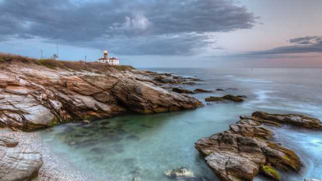 Beavertail Lighthouse in Jamestown
