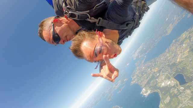 Sky Diving in Newport