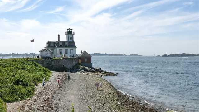 Rose Island Lighthouse Tour
