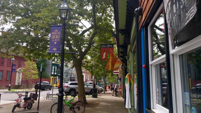 Broadway Neighborhood in Newport