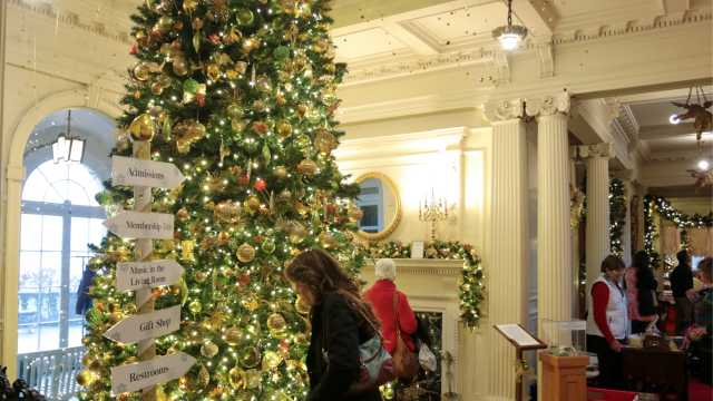 Christmas at Blithewold Mansion