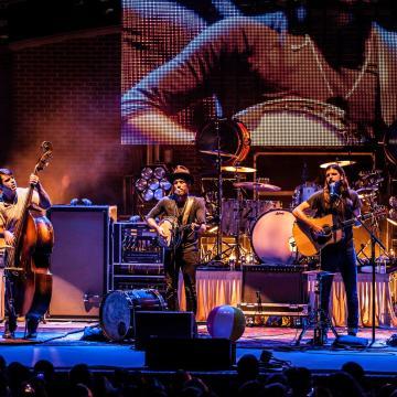 Avett Brothers at Banjo-B-Que