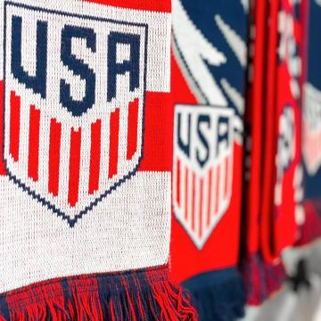 USA soccer scarves at Soccer90