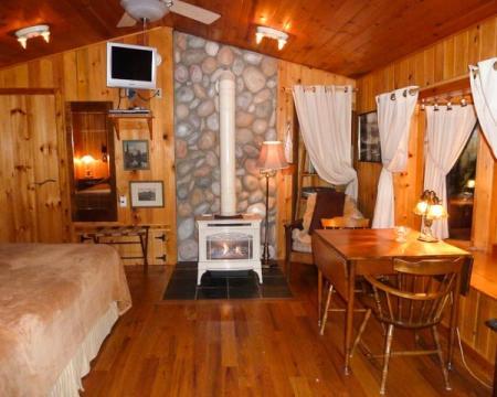 Wild Bird cabin at Basecamp Cottages