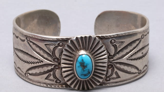 Museum of Indian Arts and Culture, Silver Bracelet