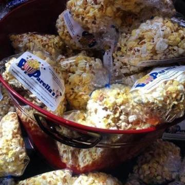 Poparella's popcorn in a tin