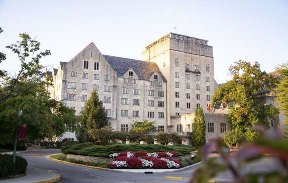 Front view of the Memorial Union IU