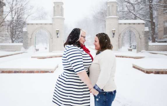 Lesbian couple at Sample Gates