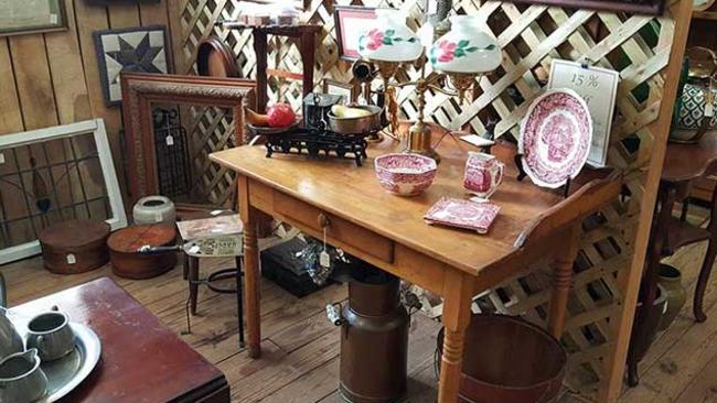 Laughlintown Antiques