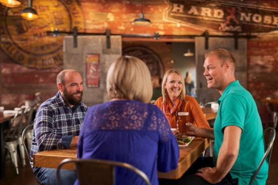 Lansing Brewing Company couples dining