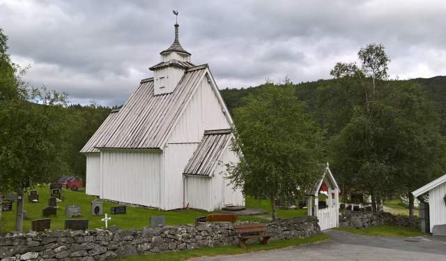 Bykle old church