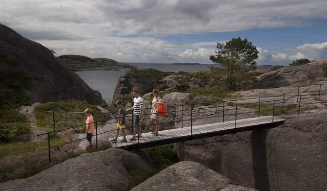 Coastal path in Ny-Hellesund