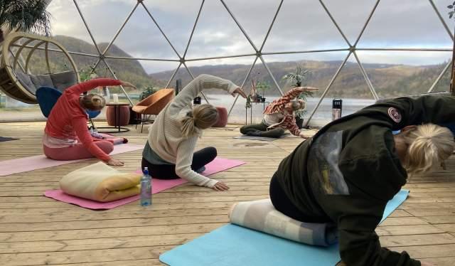 Yoga - The Village, Hovden