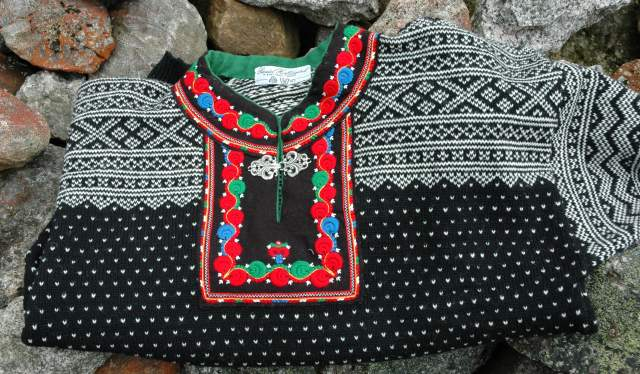 Sweater with the original Setesdal pattern
