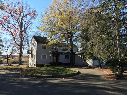 Chisholm Lake House