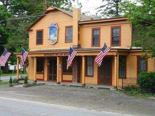 The Poolville Country Store Restaurant Bed & Breakfast as seen from the road