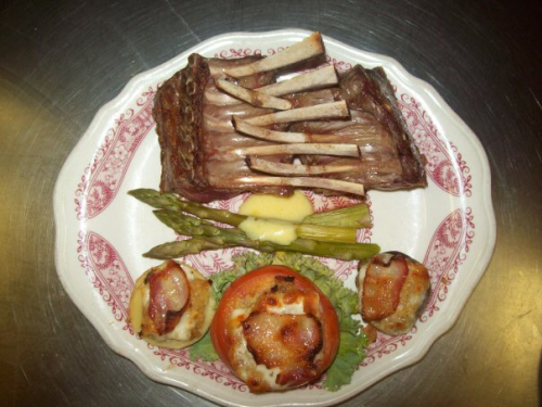 Rack of lamb, asparagus and tomato from Chez Pierre