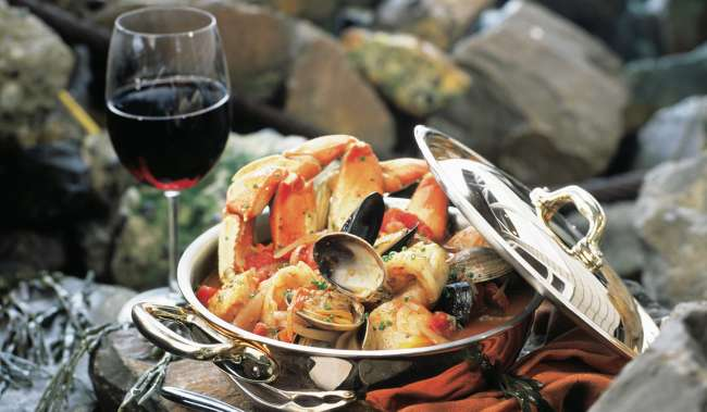 Salty's Pacific Northwest Seafood Stew
