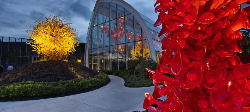 Chihuli Garden glass sculpture museum