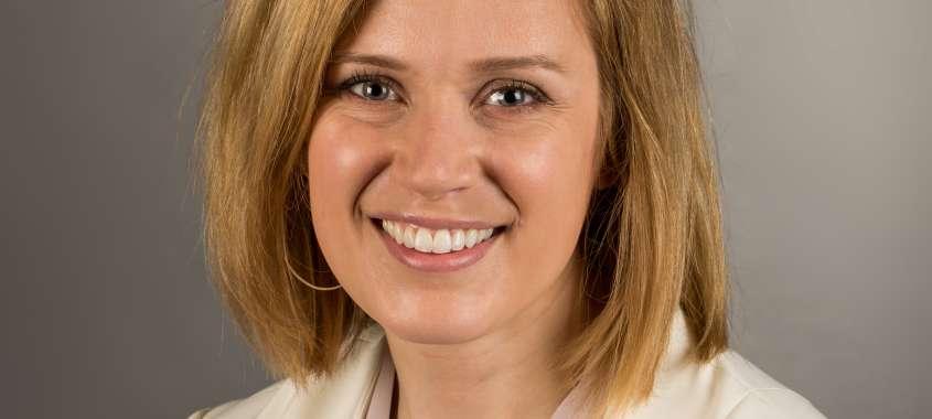 Emily Houg Headshot