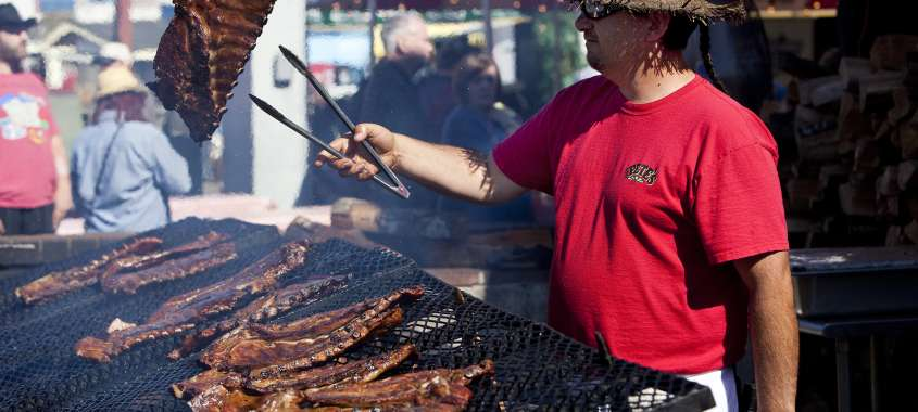 Grilling Ribs at Washington State Fair