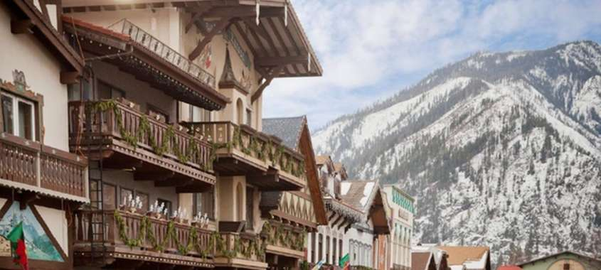 Leavenworth chalet and mountains