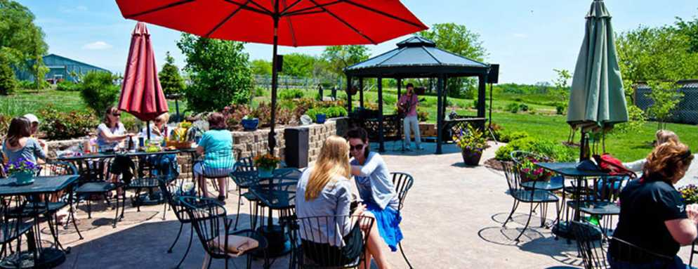 Somerset-Ridge-Patio-Winery
