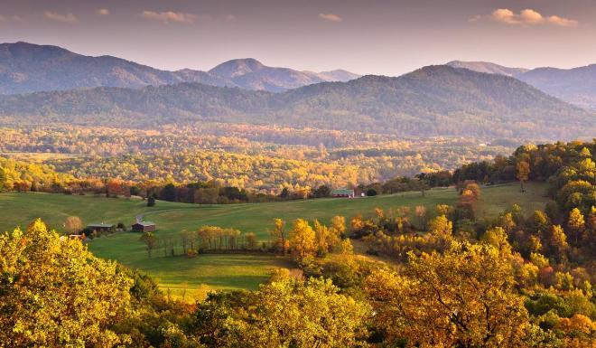 Charlottesville, VA - Blue Ridge Mountains