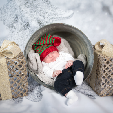 Brad Van Dusen Photography Christmas Baby