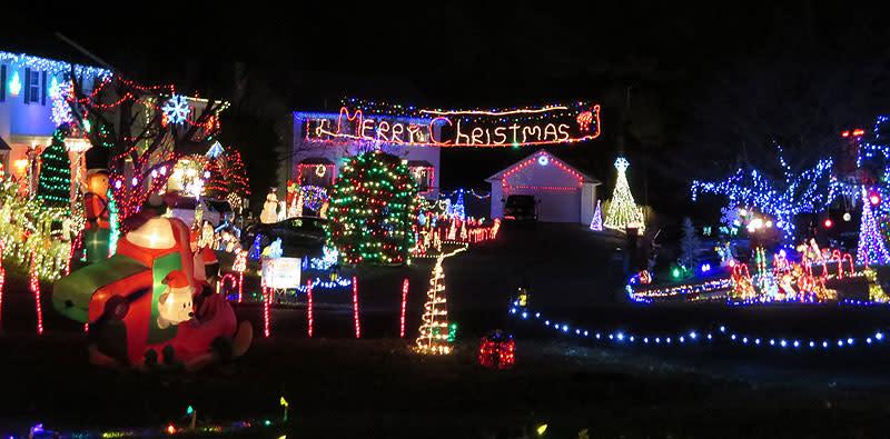 Marshall Pond - Christmas Lights
