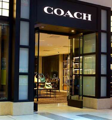 Coach-bags-store-at-Oak-Park-Mall-in-Overland-Park