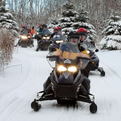 Snowmobile tours2