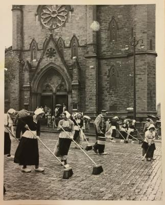 Albany Institute: Dutch Street Scrubbing Newspaper Clipping