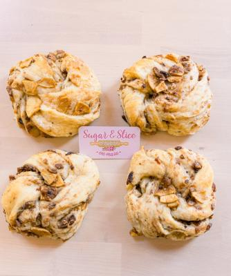 Apple Pecan Swedish Knots